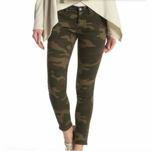 NWT Blank NYC The Reade Crop Camo print jeans…